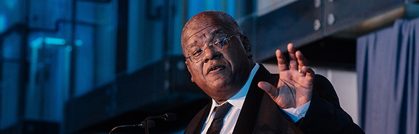 Description: Prof Jansen saying goodbey Tags: Prof Jansen saying goodbey