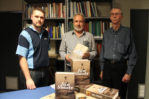 Description: Jan Smuts: van boerseun tot wêreldverhoog Tags: Jan Smuts: van boerseun tot wêreldverhoog